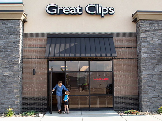 Haircuts For Men Women Kids Great Clips Hair Salons